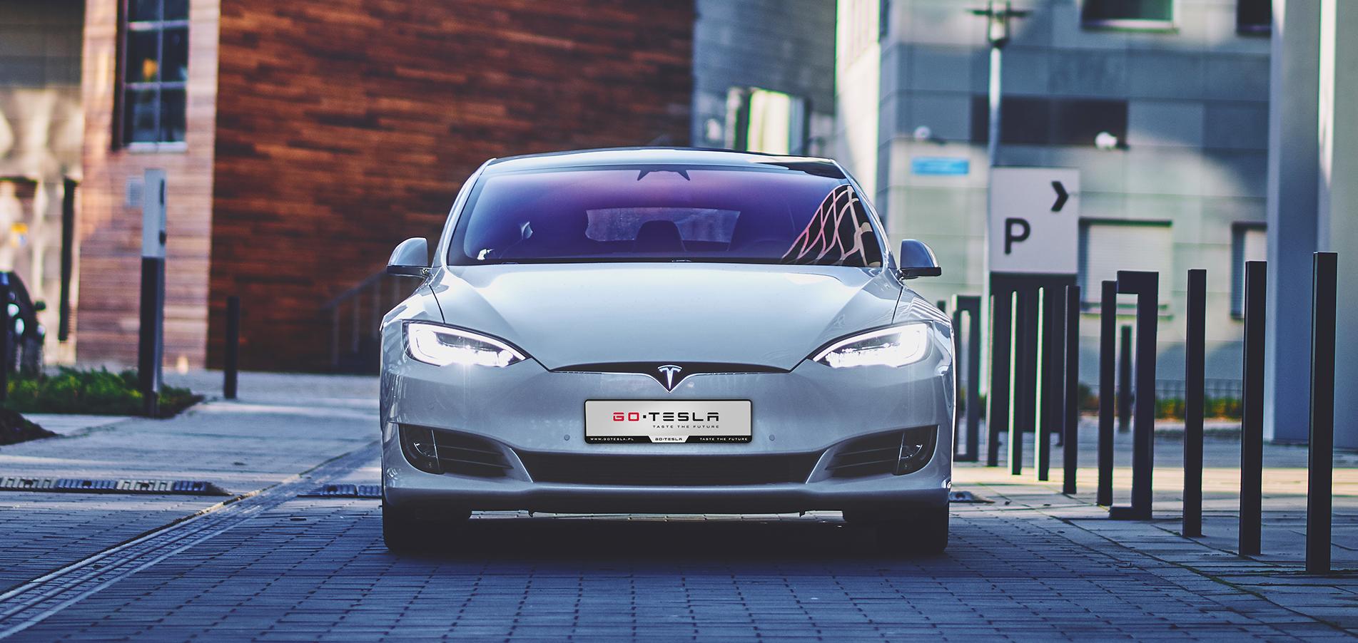 Tesla - Przewozy VIP