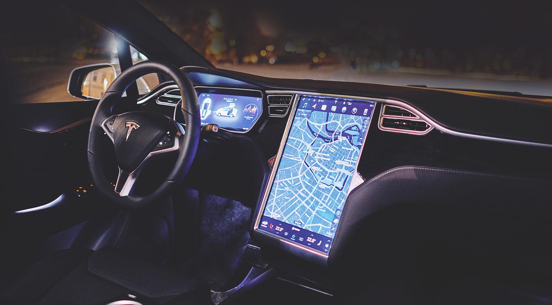 Tesla X - przestronne wnętrze